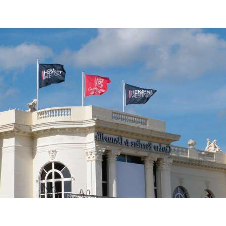 Pavillons et drapeaux publicitaires