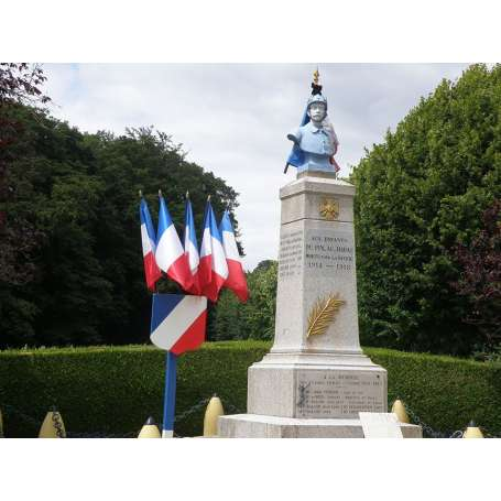drapeaux monument aux mort